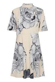 salg af b-young kjole med blomster møns.