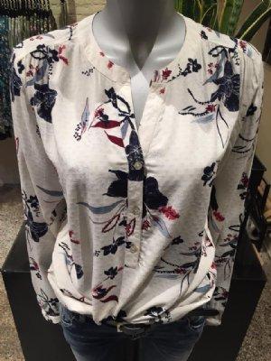 salg af Dagny skjorte bluse i hvid med blå og mørk rød