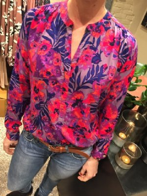 salg af Dagny Skjorte i lækker pink/lilla