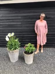 salg af Janne K fløjls kjole med lommer