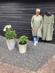 salg af Janne K Hør kjole i kraftigt kvalitet