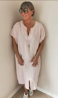 salg af Janne K Hør kjole i over size rosa