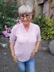 salg af Janne K skjorte bluse i blomme